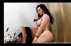 Muscle deity brandimae plays anal