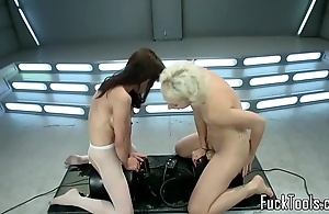 Squirting lesbians wet crack toyed apart from appliance
