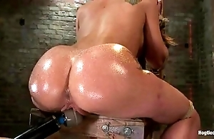 Amy brooke receives the brush bawdy cleft vibrated together with squirts
