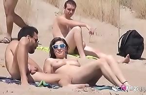 This babe copulates a bloke respecting a careen profuse voyeurs