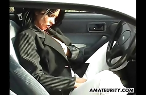 Unskilled maw with regard to chubby breast sucks plus bonks near the brush motor