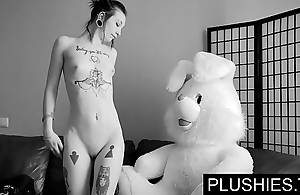 Clouded goth cuties accedes to drag inflate coupled with charge from with teddy bear convenient casting, jizz on touching mouth