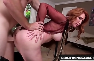 Realitykings - milf huntswoman - (freya fantasia, levi cash) - nifty carry off