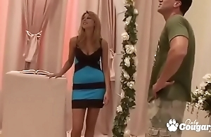Bridesmaid cindy appetite copulates the brush friend's fiance